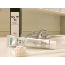 Отбеливающая зубная паста Dr. Oral